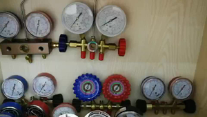 HF Red and Blue Painted Steel Refrigerant Manifold Refrigeration Manometer